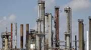 Goldman dice que varias refinerías en el mundo cerrarán por menos demanda