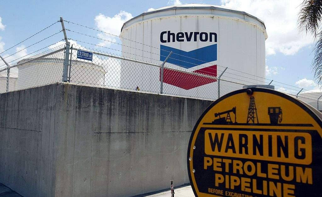 EEUU extiende licencia a Chevron por tres meses para operar en Venezuela