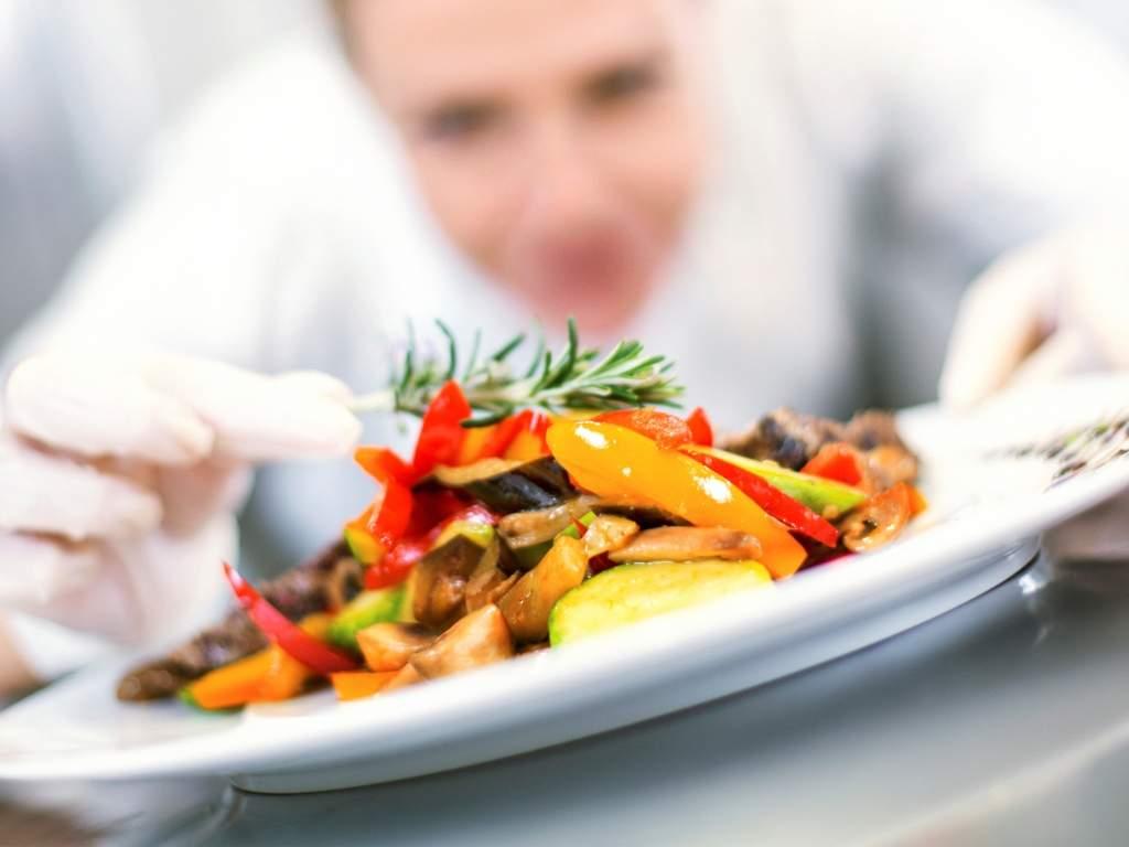 Damm refuerza su presencia internacional con gastronomía