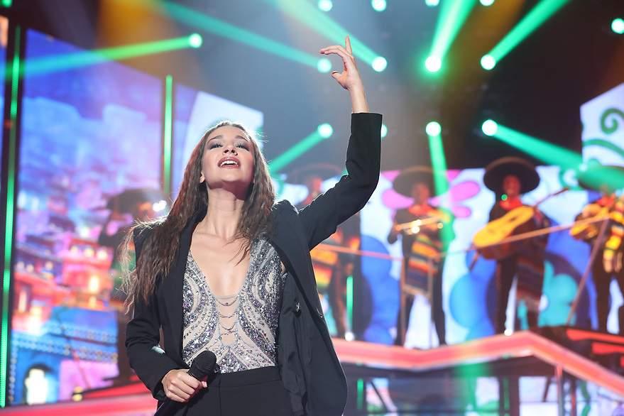 Ana Guerra rinde homenaje a México con 'La bikina' - 880x