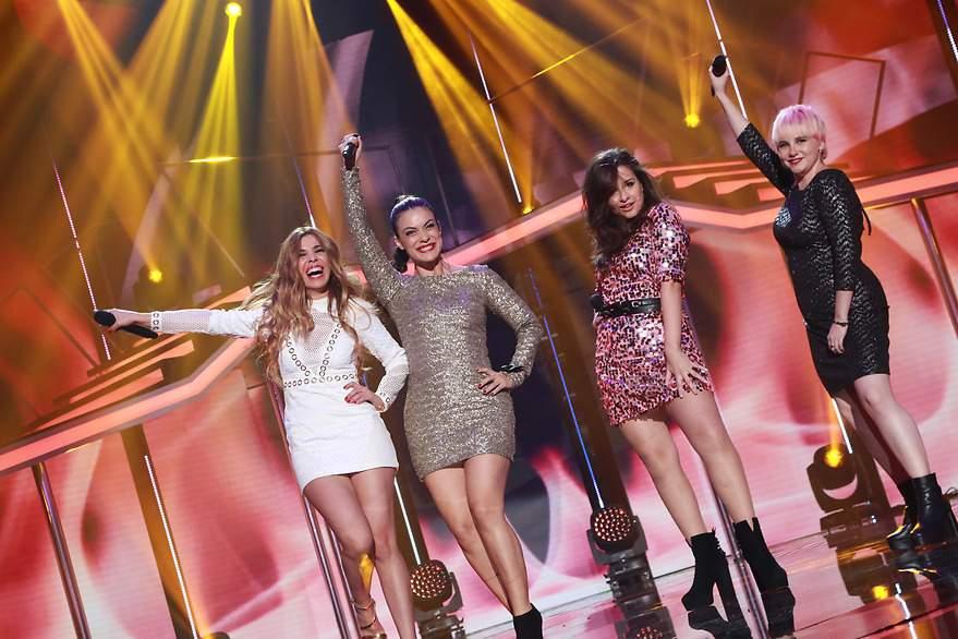 Natalia, Geno, Thalia y Marina cantan 'Eternal flame' - 880x