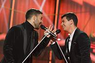 Agoney y Alfred cantando 'The Lady Is A Tramp' - 195x130