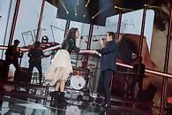 Ana Guerra cantando con Maldita Nerea - 195x130