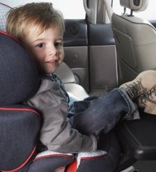 Los menores que no superen los 1,35 metros no podrán viajar en el asiento delantero