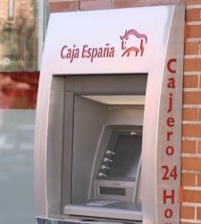 Caja espa a condenada a devolver el dinero cobrado por for Acuerdo clausula suelo caja espana
