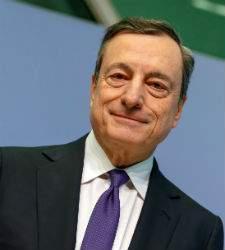 El BCE alerta de la moderación en el crecimiento de la Eurozona pero no altera su guión