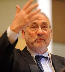 Stiglitz-mano.JPG