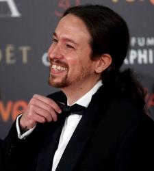 Pablo Iglesias aparece en público por primera vez de esmoquin en la gala de los Premios Goya