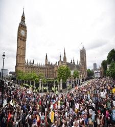 225x250-protesta-londres.jpg