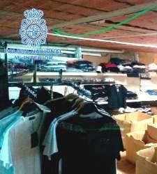 La policía desmantela el mayor punto de distribución de falsificaciones en España