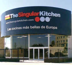 The singular kitchen crece en la comunidad de madrid de la for Singular kitchen