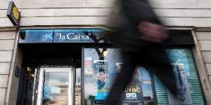 CaixaBank sólo perderá el liderazgo de la gestión en España si BBVA se hace con Popular