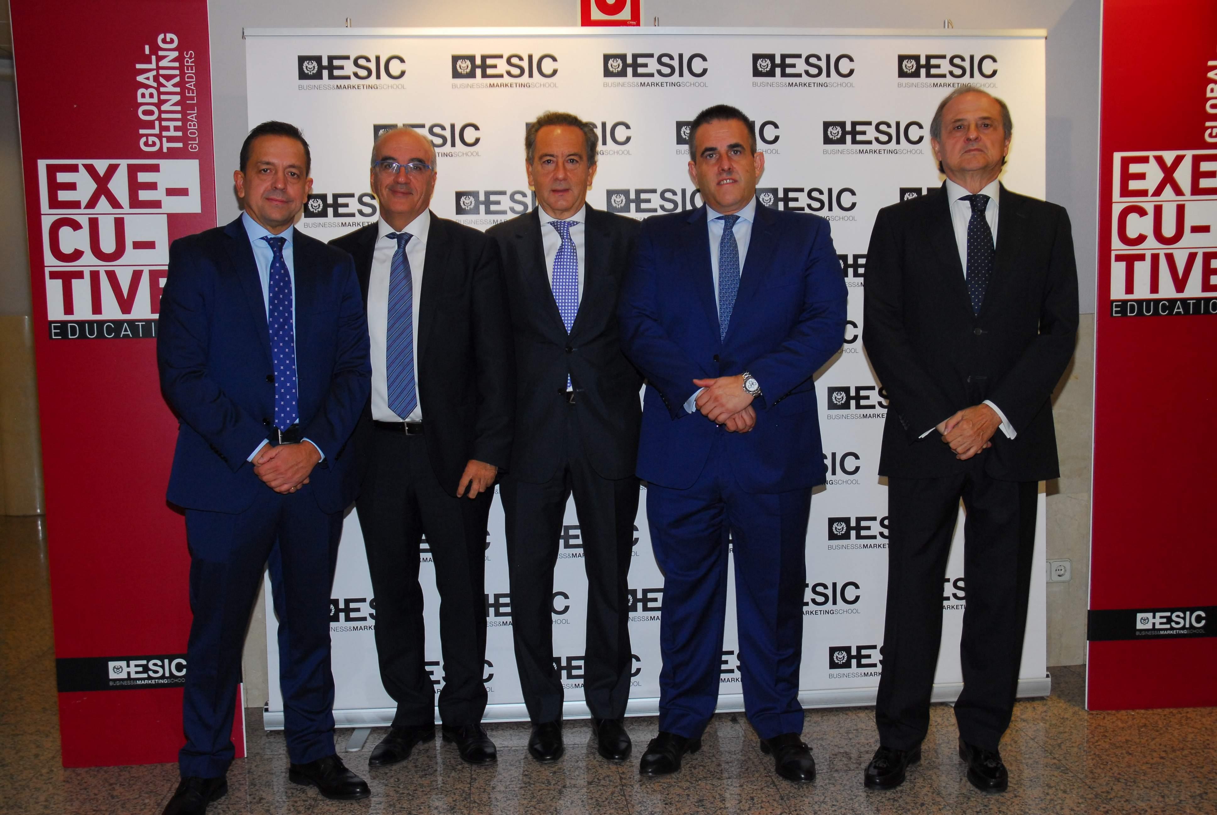 Fotografia-directivos-de-ESIC-y-El-Corte-Ingles.JPG