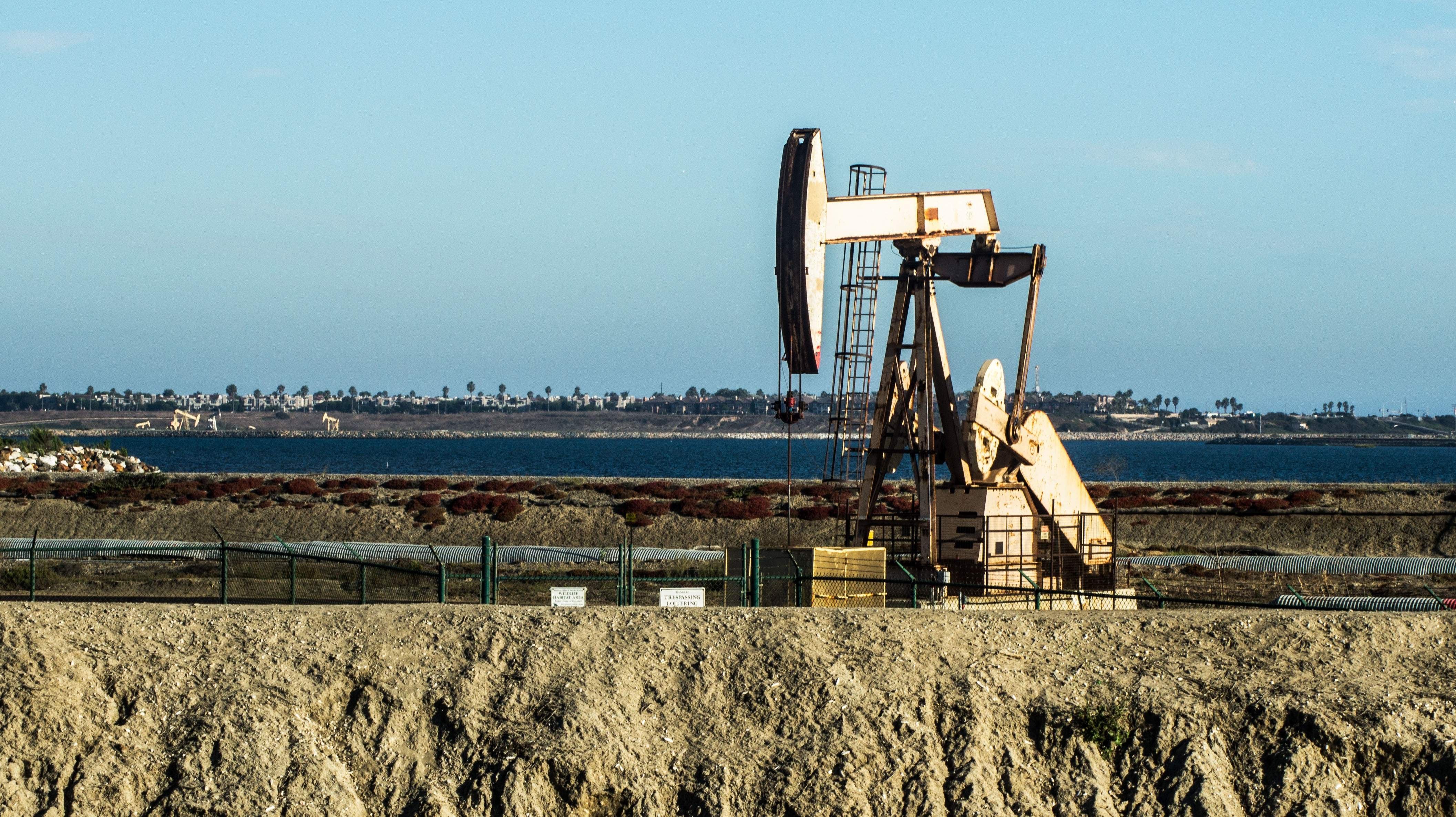 bomba-petrolera-california.jpg