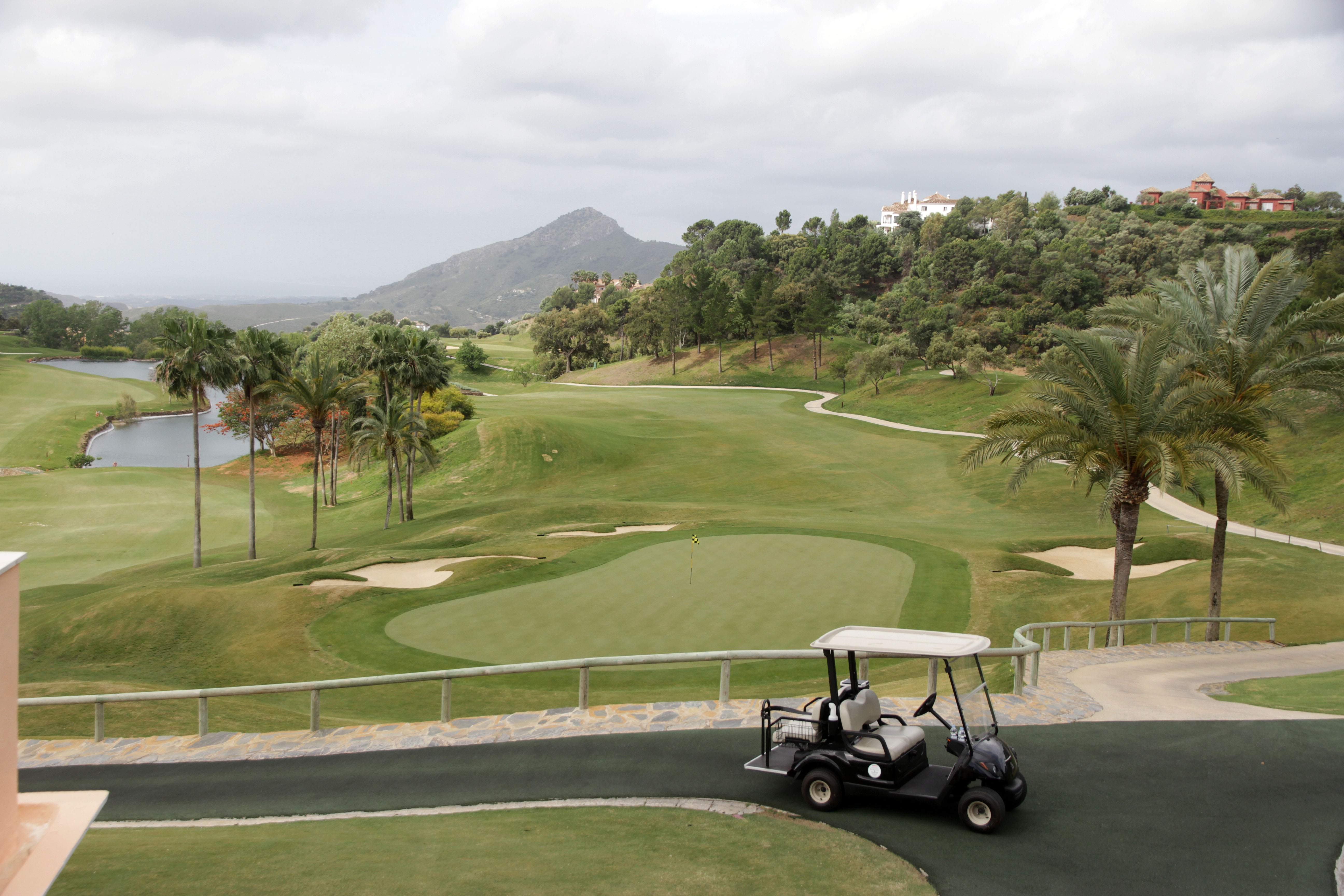 la zagaleta vende el campo de golf valderrama, pero sigue adelante