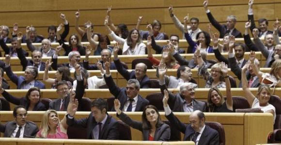 congreso-manos-alto-senado-.jpg