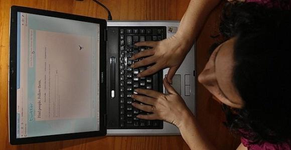 ordenador-adolescente-efe.jpg