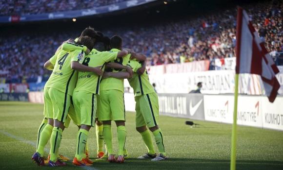 barcelona-celebra-banderin-calderon-reuters.jpg