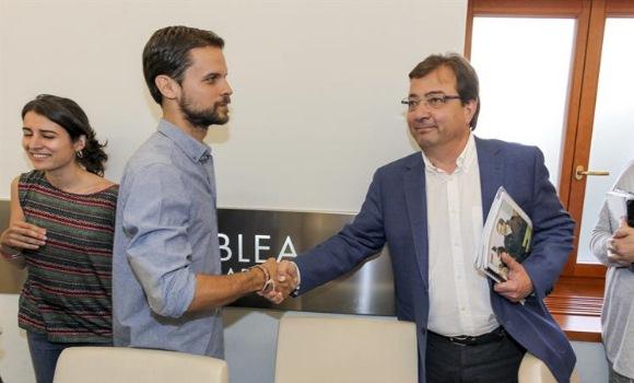 Vara será elegido presidente de Extremadura con el apoyo de Podemos