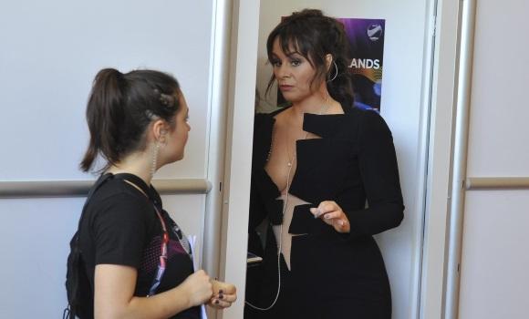 El vestido más polémico en Eurovisión: Un poco más y se le ve el clítoris