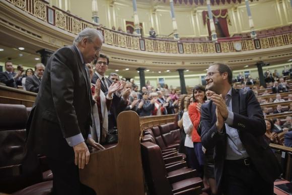 aplauso-guerra-congreso-efe.jpg
