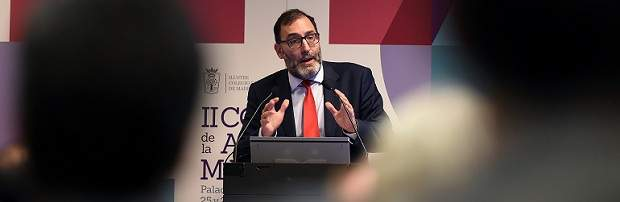 Eloy Velasco, en contra de dar la instrucción al fiscal