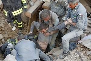 Un fuerte terremoto sacude Italia