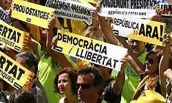 UGT y CCOO lideran la marcha para exigir la liberación de los políticos presos