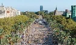 La Diada independentista se fractura por Ada Colau