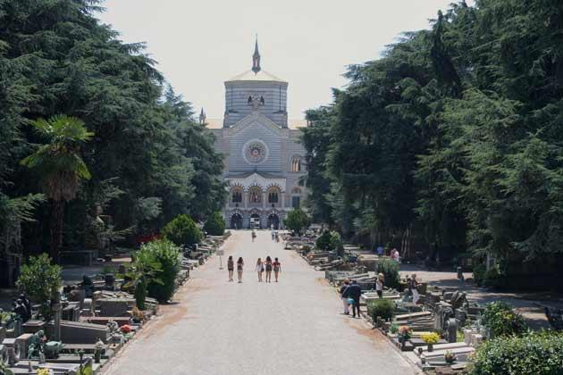 cementerio milan