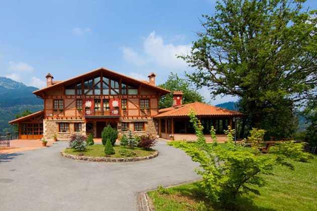 Etxegana hotel spa evocaci n de indonesia en un caser o - Caserio pais vasco ...