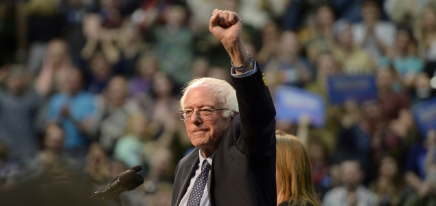 sanders-puño-alto-getty-635x300.jpg
