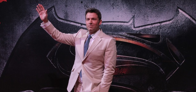 batman-superman-ben-affleck-efe-635x300.jpg
