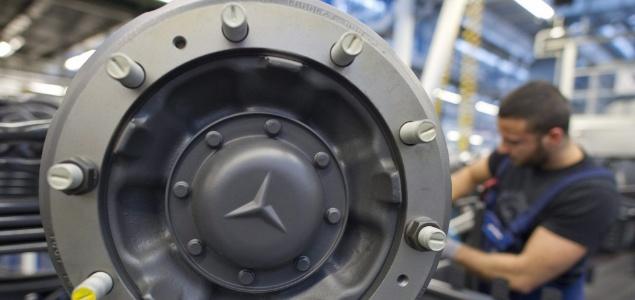 Mercedes enfrenta una demanda en eeuu por emisiones de for Motores y vehiculos nj