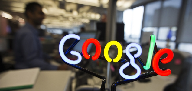 Google-letrero-luminoso-635-REUTERS.jpg