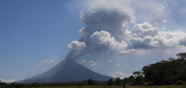 volcán-momotombo-efe-635x300.jpg