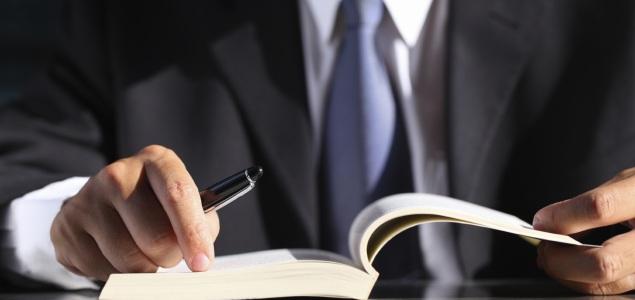 Conozca los diez libros que toda persona de negocios debe leer