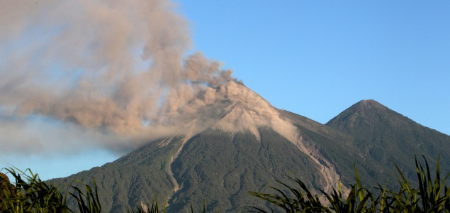 volcan-guatemala-erupcion-efe-635x300.jpg