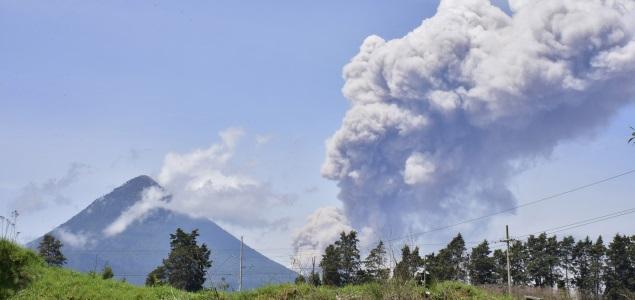 volcan-santiaguito-guatemala-efe-635x300.jpg