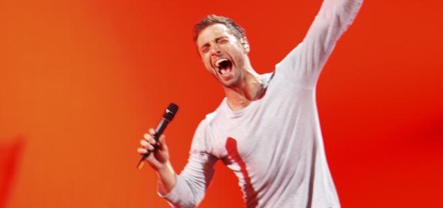 El ganador de Eurovisión, Mans Zelmerlow, canta en español Amanecer, de Edurne