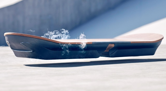 El aeropatín volador de Lexus ya es una realidad tras superar el test de Barcelona