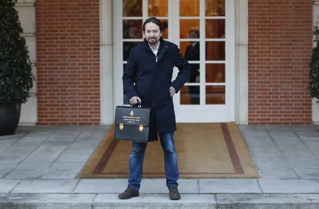 Pablo Iglesias se achantó: el martes cedió para que el SMI no subiera más de 950 euros