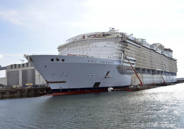 El crucero más grande, en Barna