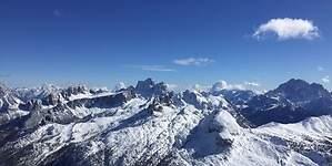 Los Alpes Dolomitas, la zona de esquí más grande del mundo y quizás la más bella