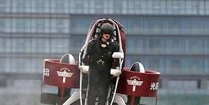 China, a la caza del sector del hombre volador