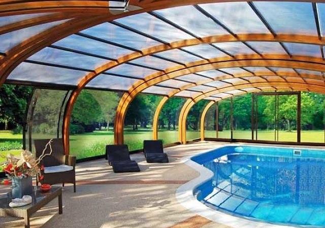 lujosas piscinas cubiertas para el invierno