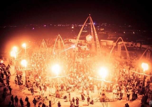 Ataque a los pijos del Burning Man
