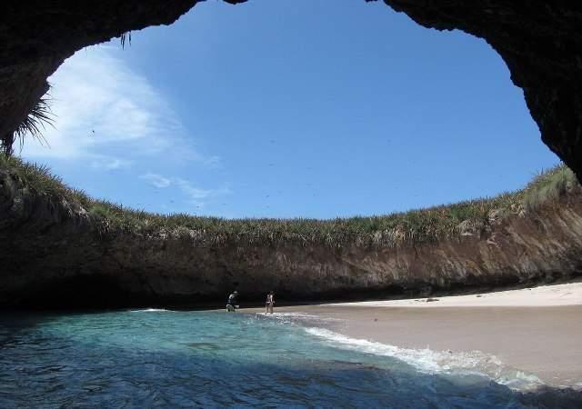 Islas Marietas frena al turismo