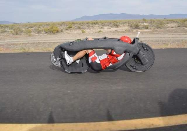 A 142 km/h en una bicicleta