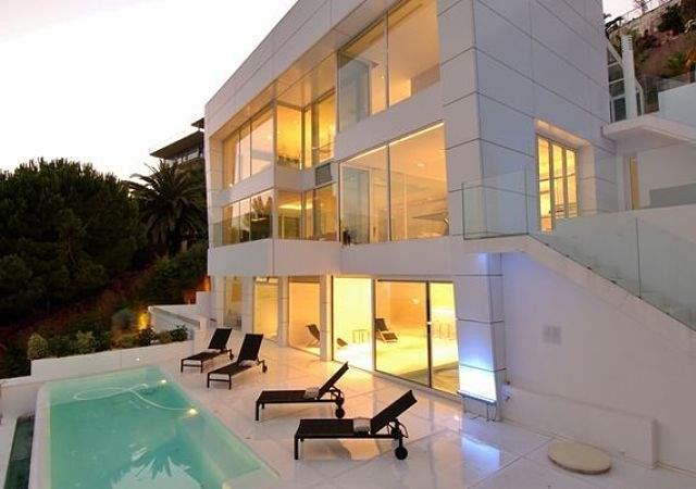 Alquilar casas de lujo para los viajes oto ales - Casas espectaculares en espana ...